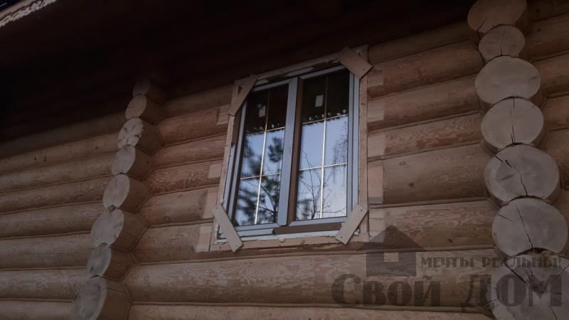Установка окон с окосячкой проемов в доме из бревна в Красное на Волге д. Русиново. Фото 12