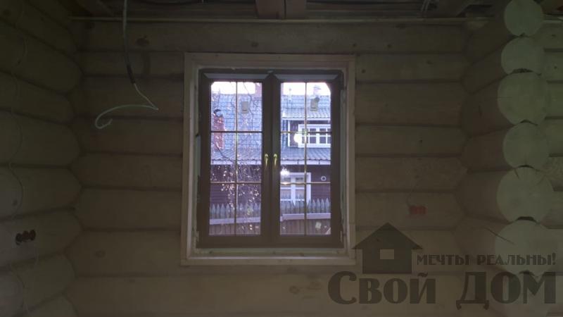 Установка окон с окосячкой проемов в доме из бревна в Красное на Волге д. Русиново. Фото 17