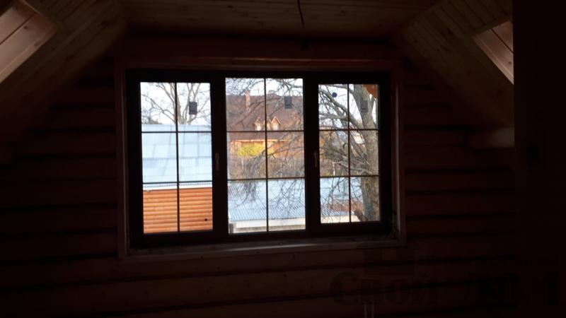 Установка окон с окосячкой проемов в доме из бревна в Красное на Волге д. Русиново. Фото 18