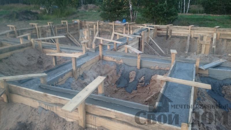 Подготовка ленточно-армированых фундаментов под дома. Фото 7