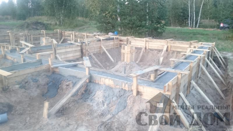 Подготовка ленточно-армированых фундаментов под дома. Фото 8