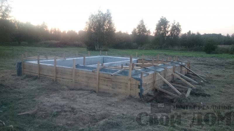 Подготовка ленточно-армированых фундаментов под дома. Фото 12