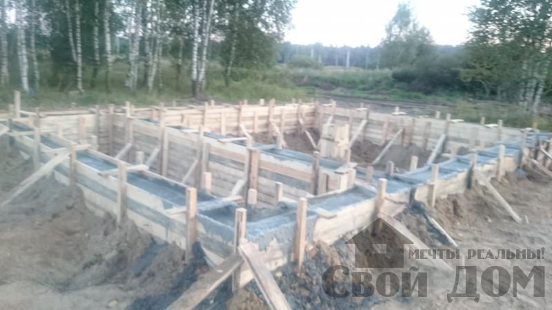 Подготовка ленточно-армированых фундаментов под дома. Фото 13