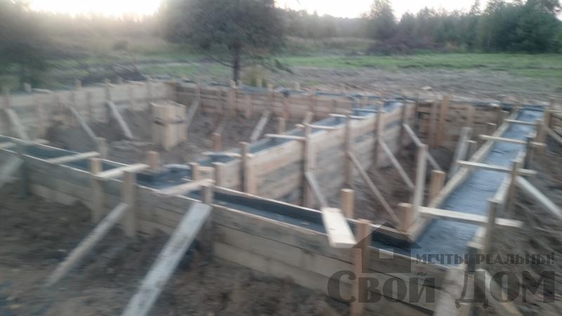 Подготовка ленточно-армированых фундаментов под дома. Фото 17