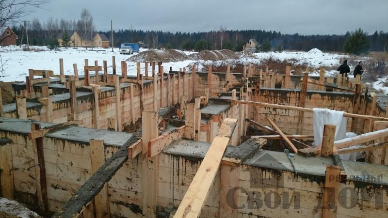 Подготовка ленточно-армированых фундаментов под дома. Фото 29